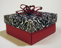 origami-box-beaded-blkred.jpg