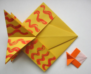 KISSING FISH ORIGAMI